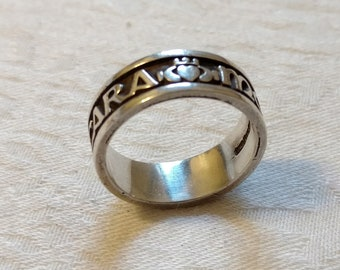 CLADDAGH Ring, Sterling Silver, sz 6, MADE in IRELAND, mo anam cara, Nice Traditional Wedding Band Design, Soul Mates