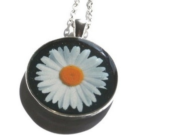 Daisy necklace - DAISY PENDANT - resin necklace Picture - Flower necklace - flowers  vintage pendant  gift for her BOHO necklace  boho style