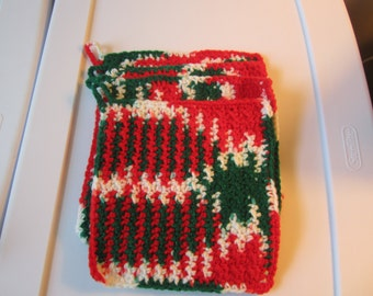 CROCHETED CHRISTMAS 7 INCH Pot Holders in a Set of 4