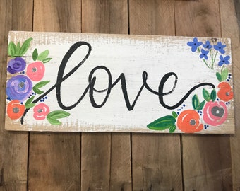 Love wood sign - flowers