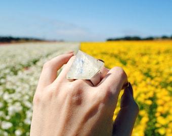 Quartz Pyramid Ring - Quartz Crystal - Clear Quartz - Statement Ring -- Stone Pyramid -- Pyramid Ring -- Boho Chic -- Stone Ring