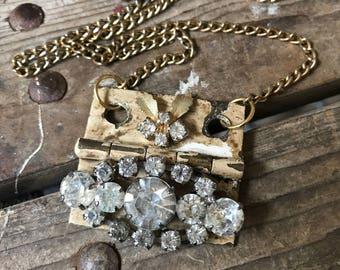 Knowing Vintage Rhinestone Hinge Necklace