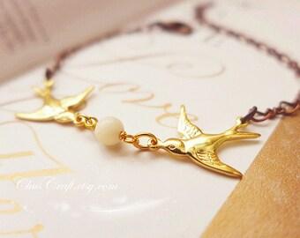 Chic Sparrow Bracelet Dainty Sparrow Jewelry Gold Bird Bracelet Couples Bird Jewelry Bridesmaid Bracelet Dainty bracelet Minimalist Bracelet