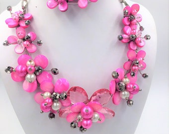 Mother of Pearl Flower Necklace & Earring Set in Hot Pink, Floral Jewelry, Shell Necklace, Bridal Necklace, Quinceanera Necklace, Prom