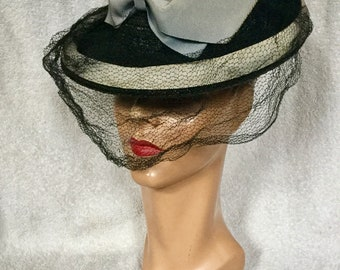 1940s New York Creation Tilt Hat with Large Bow