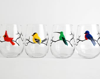 Four Birds Stemless Wine Glasses - Red Cardinal, Green Hummingbird, Bluebird, Yellow Finch Glasses - Set of 4 Colorful Bird Wine Glasses