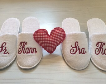 Personalized Bridal Slippers/Bride Slippers/Bridesmaids Slippers/Slippers/slippers/wedding Slippers/Custom Slippers