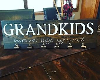 Grandkids picture clip sign