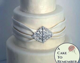 Diamond shape DIY wedding cake edible brooch, cake brooch, edible diamonds, edible jewels, edible cake jewels,  sugar gems, gumpaste brooch