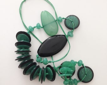 Necklace - Lovely mixed green bead chunky plastic necklace retro design mixed shape plastic beads