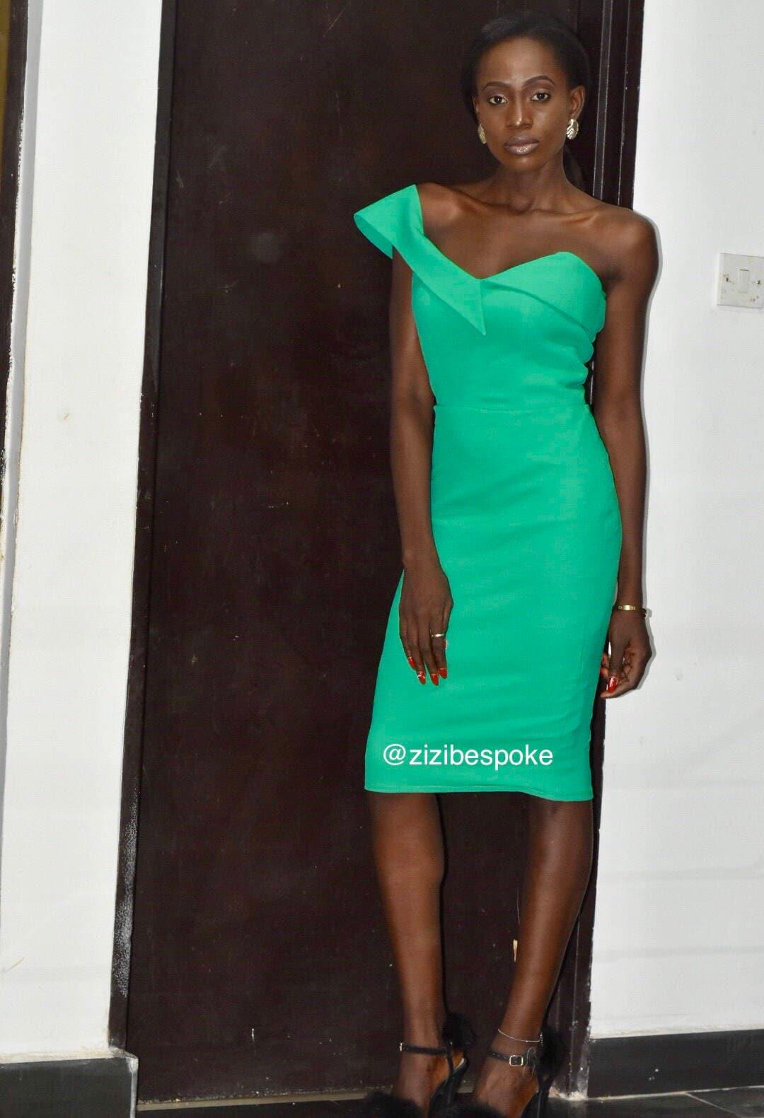 Grün-Midi schräge Schulter Kleid Grüne Kleider