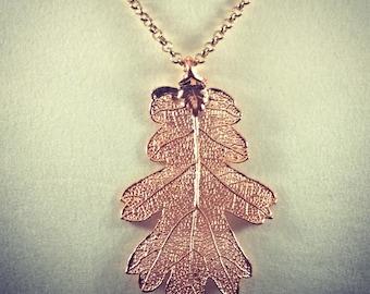 Beautiful 24-carat pendant gold oak leaf