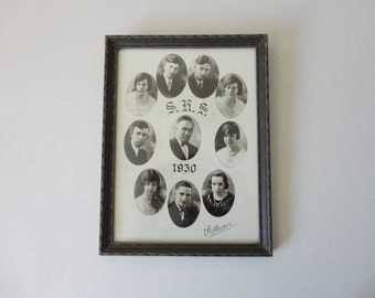 ANTIQUE framed 1930 high school CLASS PHOTOGRAPH