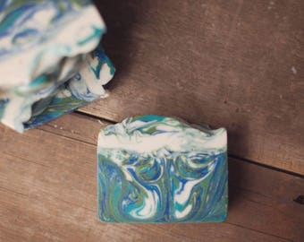Sea Breeze & Lillies Soap Bar - Handmade Soap - Body Soap - Palm Free Soap - Natural Soap - Olive Oil Soap - Homemade