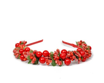 Hair band with red berries