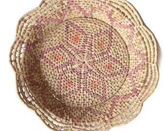 Vintage large woven rafia wall basket / straw / seagrass