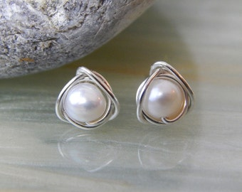 Tiny Pearl Earrings, Pearl Stud Earrings, Freshwater Pearl Earrings, Tiny Stud Earrings, June Birthstone, Everyday Earrings, Gift Ideas