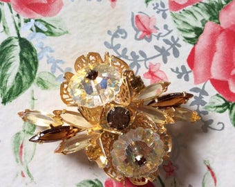 Vintage 1950s 1960s Brooch Pin Light Yellow Dark Brown Twinkling Stones Gold Tone Color Metal Unsigned