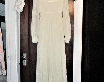 Vintage 70s Gunne Sax Prairie Dress White 11 Crinkle Gauze Peasant Wedding Renaissance