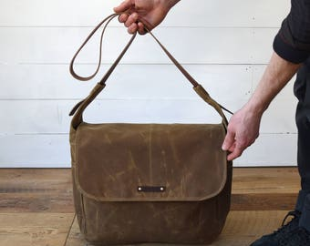 Crossbody Waxed Canvas Bag, Finch in Spice, Messenger Bag, Laptop Bag, Gift for Dad, Brown Satchel, Gift for Winter, Gift for Women, Wife