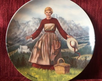"""Vintage """"The Sound of Music"""" Collectible Plate - 1986 - by Knowles - Julie Andrews"""