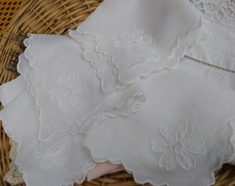 4 White Cotton Napkins French Cotton Handmade White Flower Applique Embroidered #sophieladydeparis