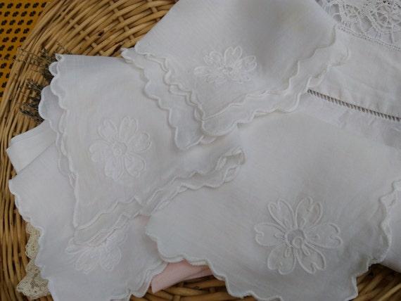 4 White Cotton Napkins French Cotton Handmade White Flower Applique Embroidered #sophieladydeparis