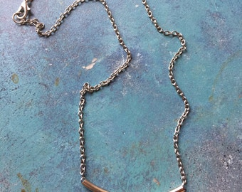 Sleek silver-tone necklace- simple elegance