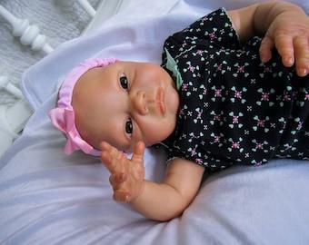Reborn baby girl Nevaeh. Eyes open! Free US shipping!