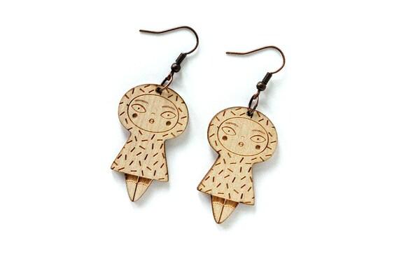 Dolls earrings with confetti - lasercut maple wood - graphic character earrings - kawaii jewelry - cute jewellery - lasercutting