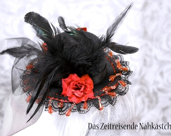 Victorianischer Mini-Hut, schwarz-rot, mit Federn, Glitzersteinen und Rosen, Gothic, Lolita