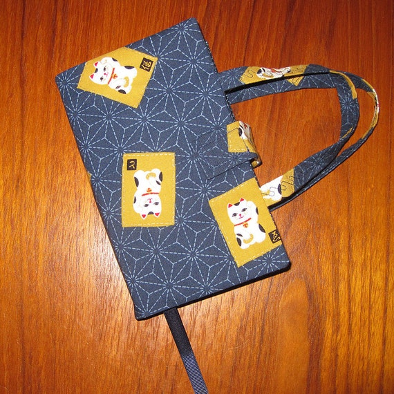 Fabric Paperback Book Covers With Handles : Paperback fabric book cover japanese maneki neko cat design