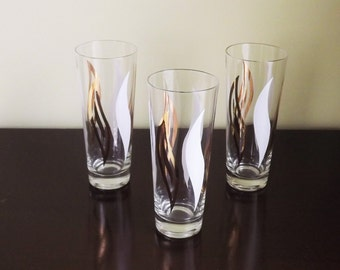 Vintage Beer Glasses, Tall Bar Glasses, 3 Gold and White Flame Swirl Pint Glass Set
