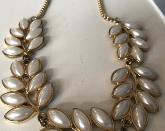 Vintage Funky gold and pearl costume jewellery necklace 80s/90s