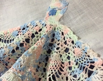 Vintage Handkerchief, Crocheted Hanky Sunbonnet Sue Crocheted on Corner  and Crocheted Border in Pastel Colors