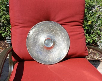 VINTAGE WM Rogers Silverplate platter with raised center - dip and chip platter -