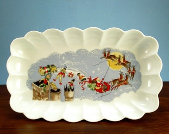 Circa 1950s Ceramic Santa On Sleigh Candy Cookie Dish, Scalloped Edge, Porcelain
