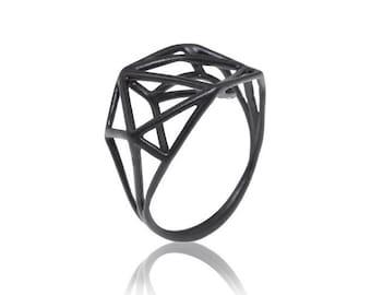 Black Geometric Ring