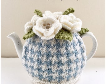 Oceane Houndstooth - Floral Tea Cosy - in Pure Wool - Size Small - fits 2-cup teapots