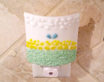 Night Light, White with Decorative Yellow Flowers, Art Glass, Pastels, Scenic, Cheerful, Large