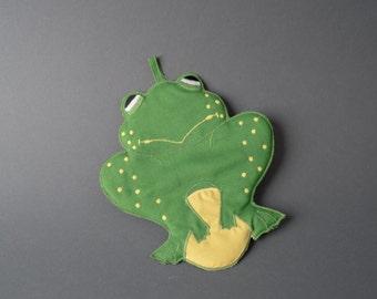 Vintage 70s Cute Frog Heat Mitt Oven Pad