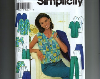Simplicity Misses' Jacket, Top and Pants or Shorts Pattern 7503