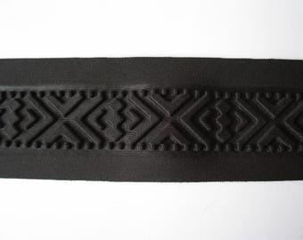 Black pattern thermoformed stripe geometric relief effect matte - ref B4