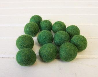 Meadow Felt Balls 12 count