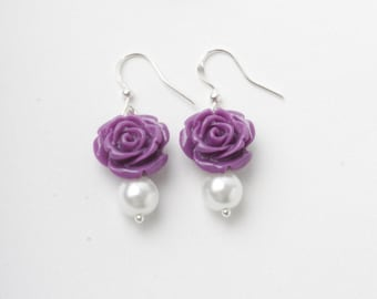 purple Bridesmaid earrings, deep purple wedding earrings, purple and white, pearl earrings, garden wedding, deep purple rose earrings