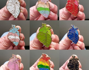 SECONDS Anatomical heart collection enamel pin 38mm