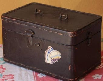 Vintage Leather Train Case.  Travel Makeup Carry-On Brown Leather Case. Steam Punk. DIY project