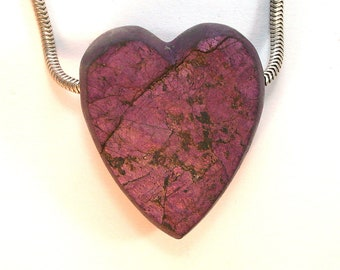 DVH Purpurite Heart Bead Natural Face Pendant Namibia 32x27x13mm (9754)