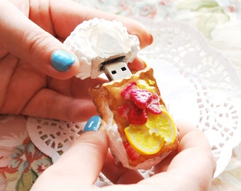 Decoden Fruit Cookie | 8 GB USB Stick | Miniature Food OOAK