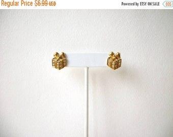 ON SALE Vintage AVON Gold Tone Clear Rhinestones Present Stud Earrings 52116